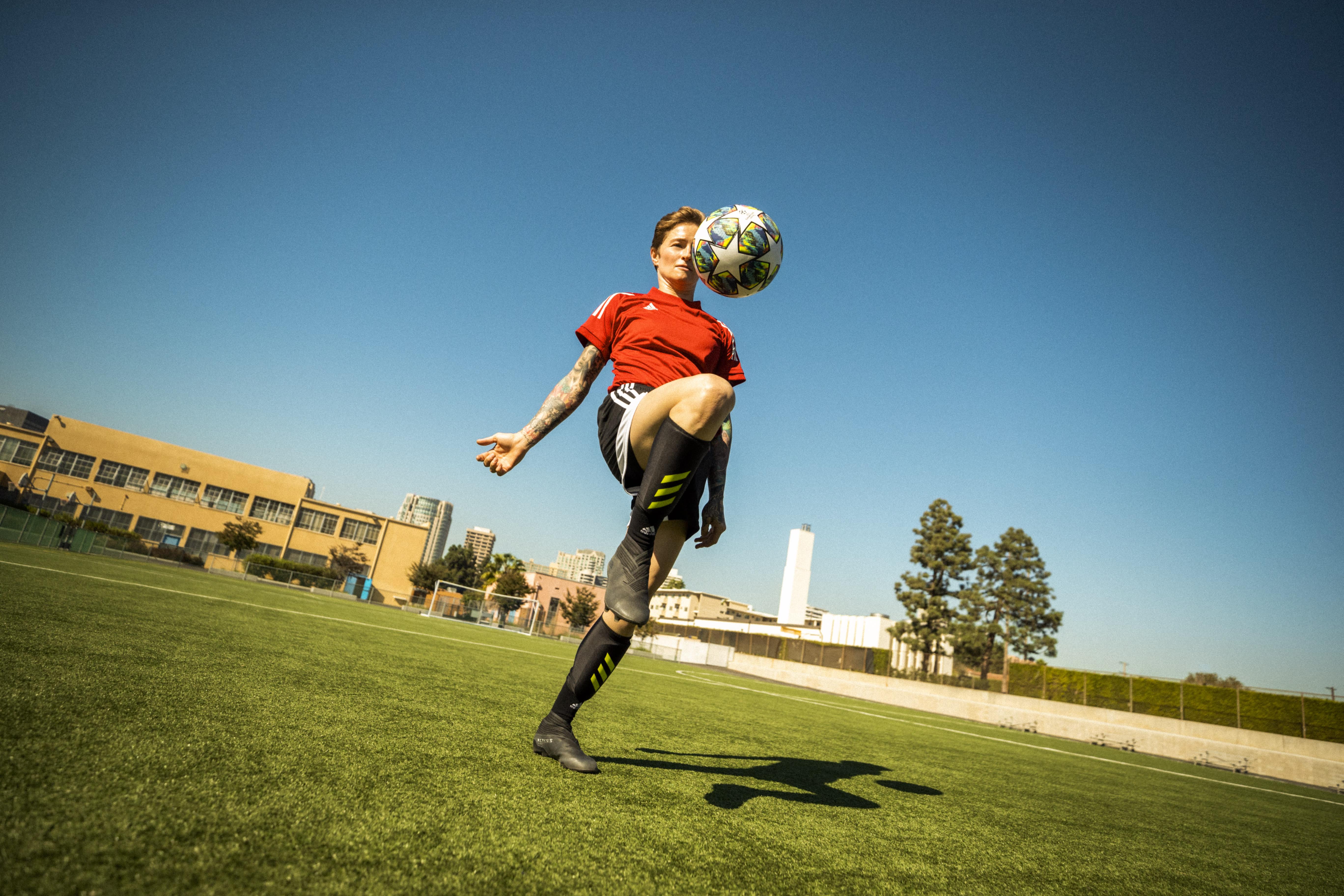 football-juggling-drills-2