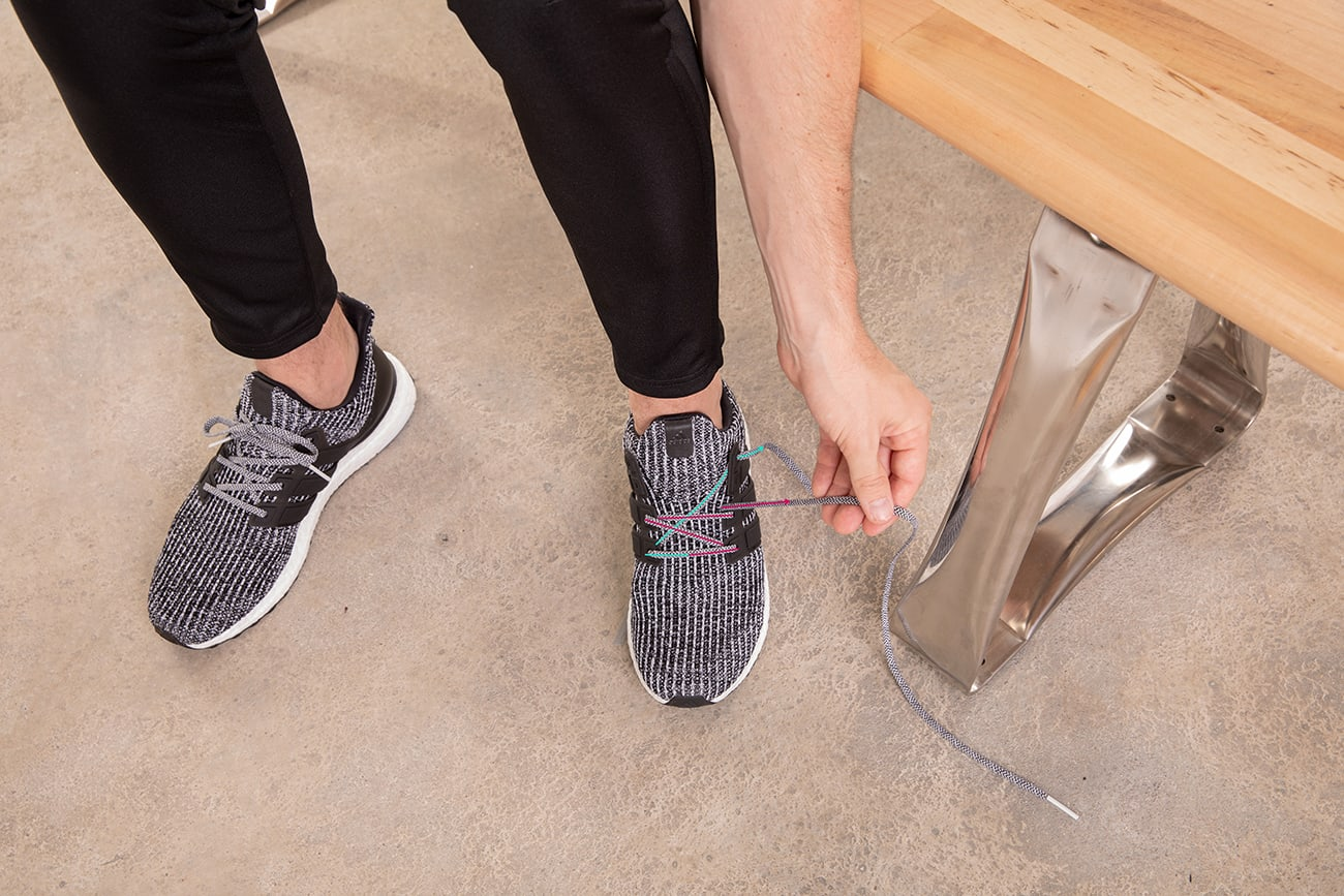 how-to-diagonal-lace-running-shoes-step3