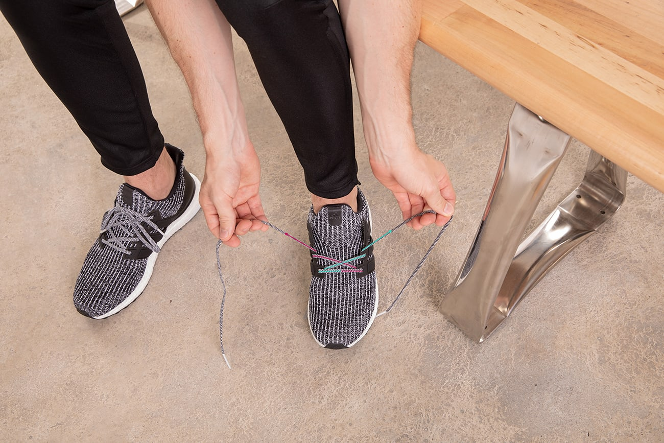 how-to-gap-lace-running-shoes-step2