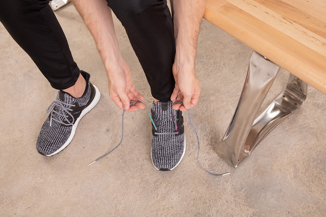 how-to-Lydiard-lace-running-shoes-step1