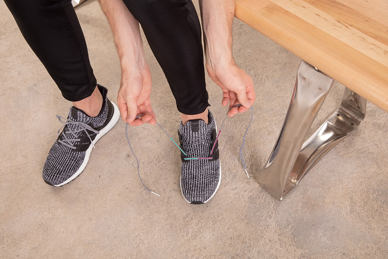 how-to-narrow-foot-lace-running-shoes-step1