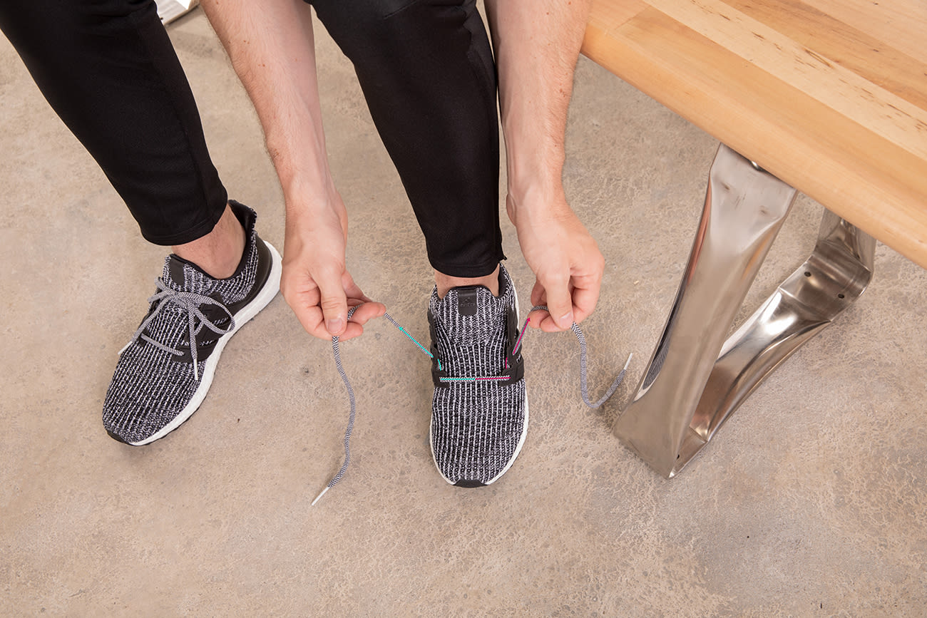 how-to-wide-foot-lace-running-shoes-step2
