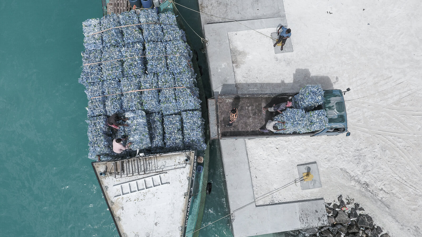 parley-xcat-ss21-editorial-problem-of-ocean-plastic-image-02