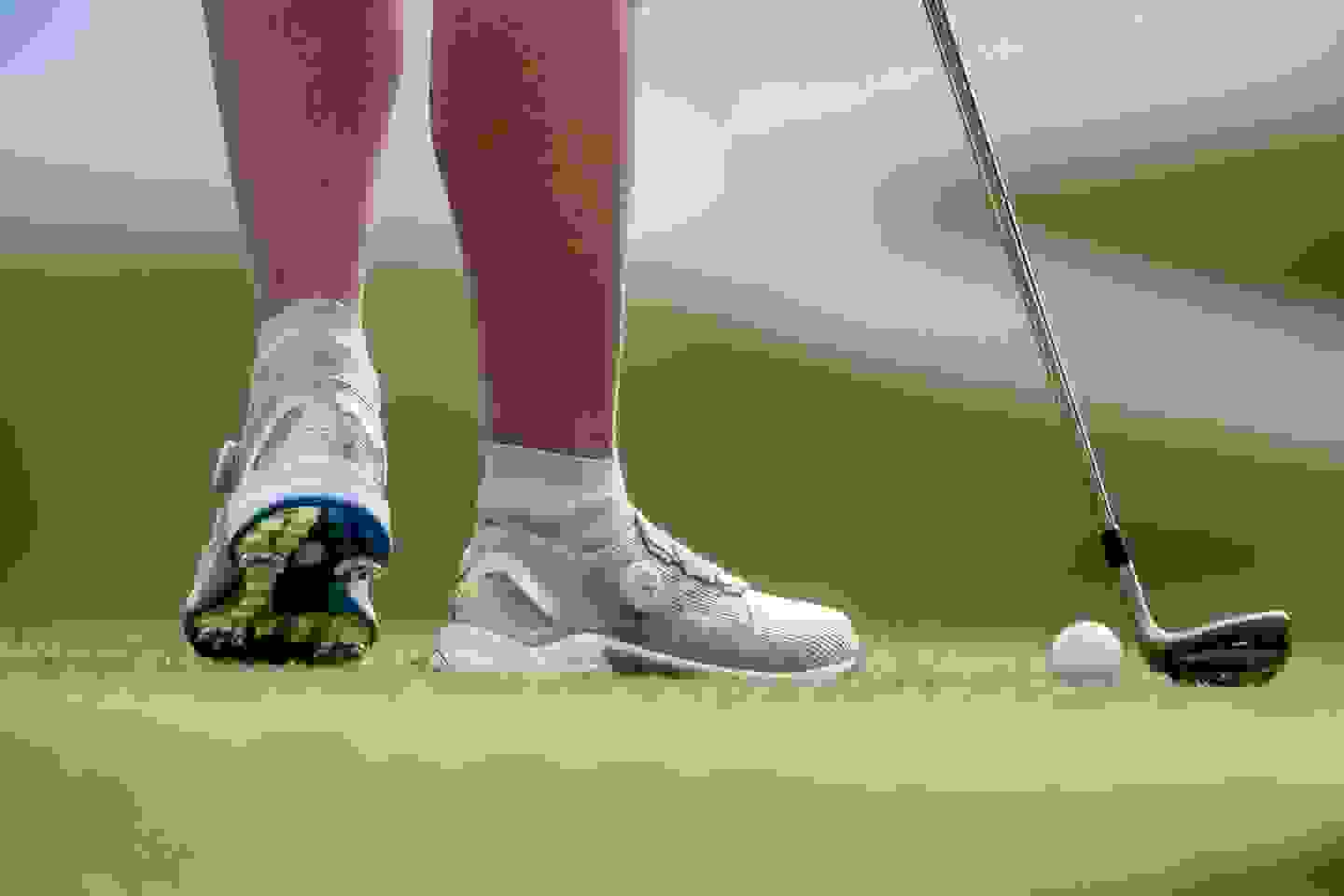 Women's sustainable spiked golf shoe