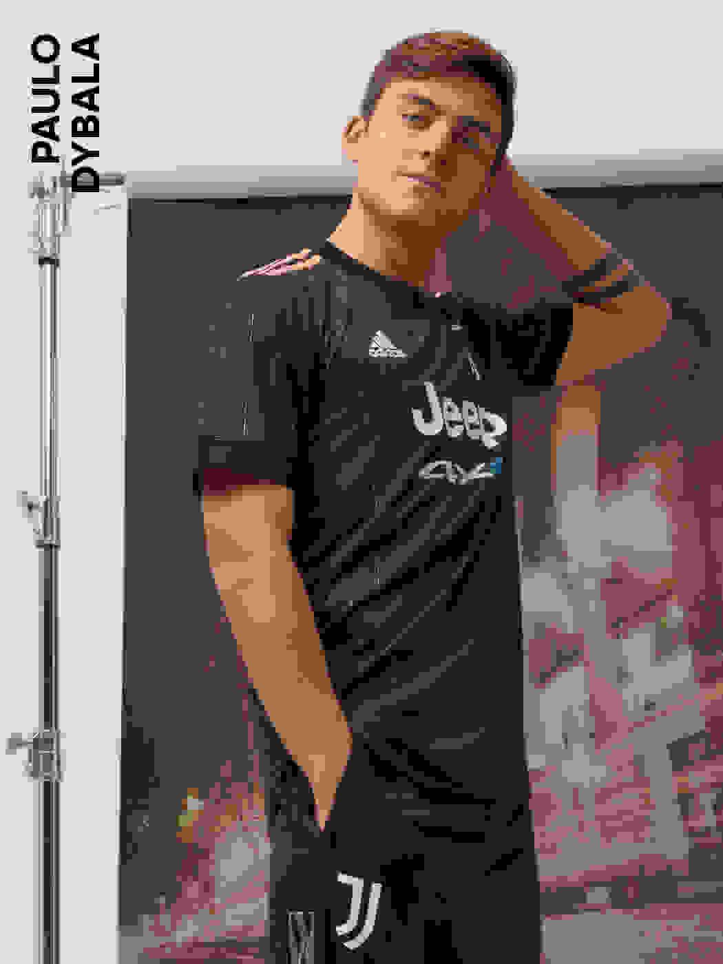 Male player wearing the Juventus Away Jersey