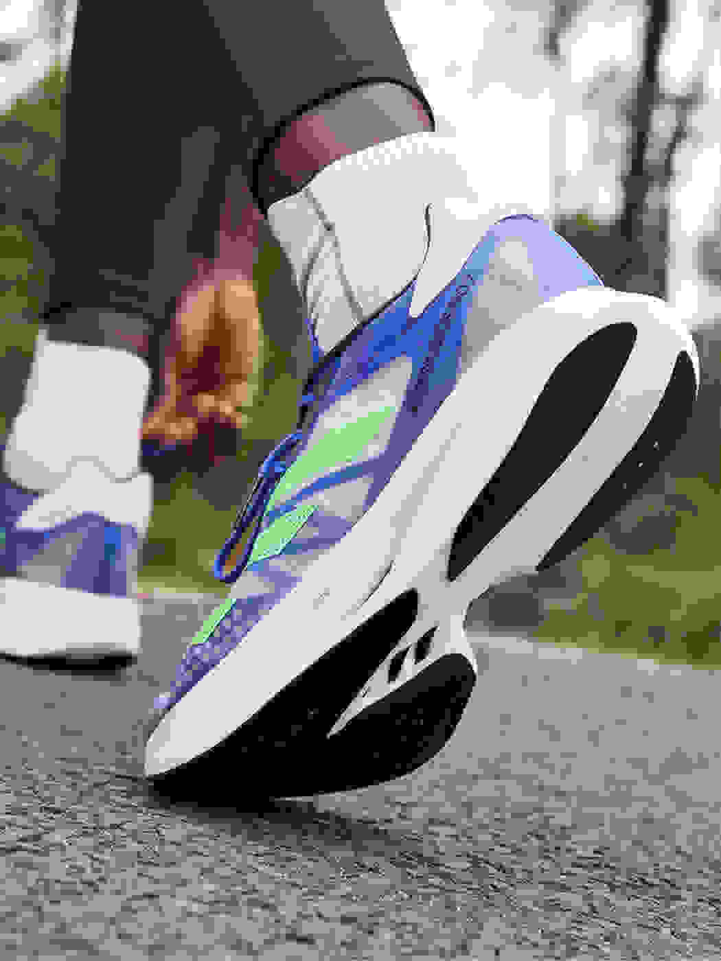 ADIOS PRO 2 on foot