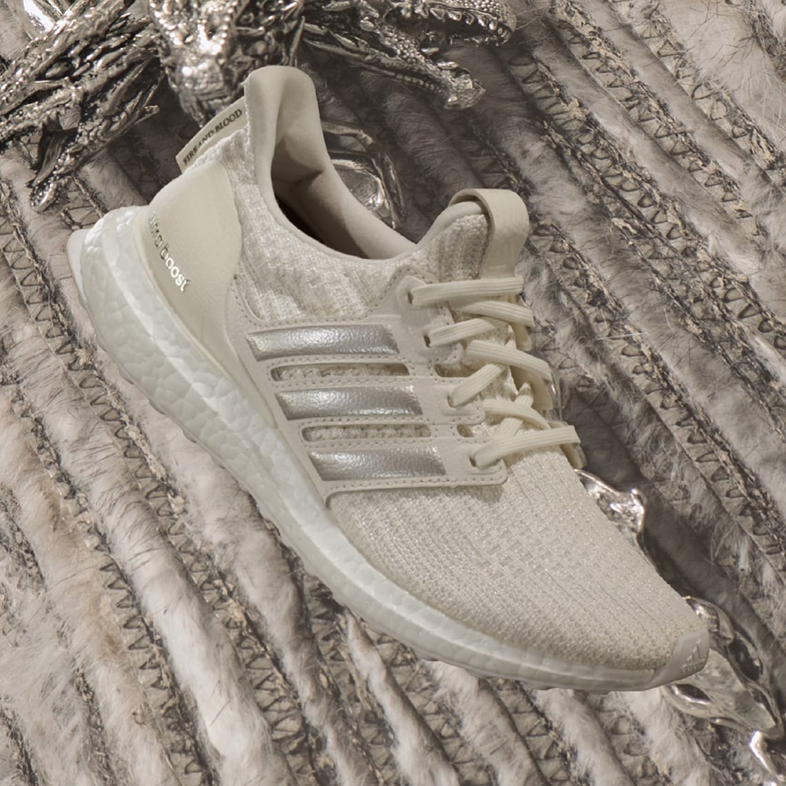 null, (Off White / Silver Met. / Core Black), 22 marts