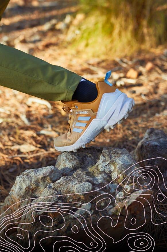 Women Hiking-Shoe Close-up-shot adidas Terrex SWIFT R3