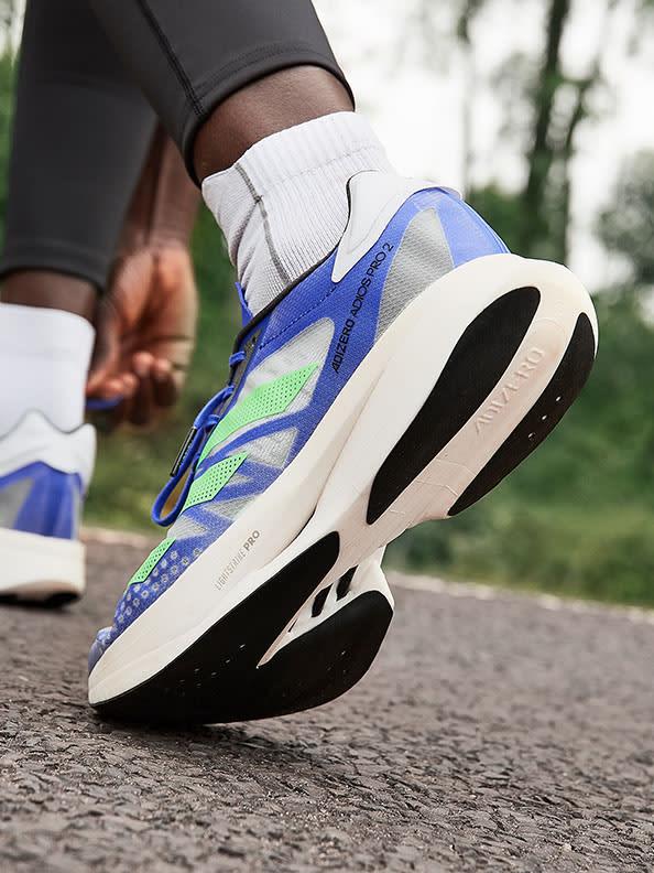 Focus on shoe