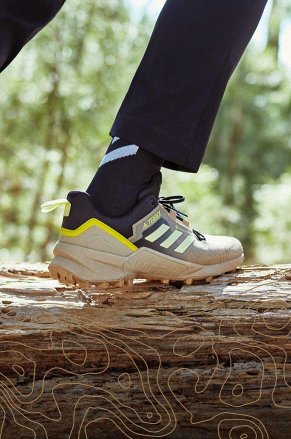 Men Hiking-Shoe Close-up-shot adidas Terrex SWIFT R3