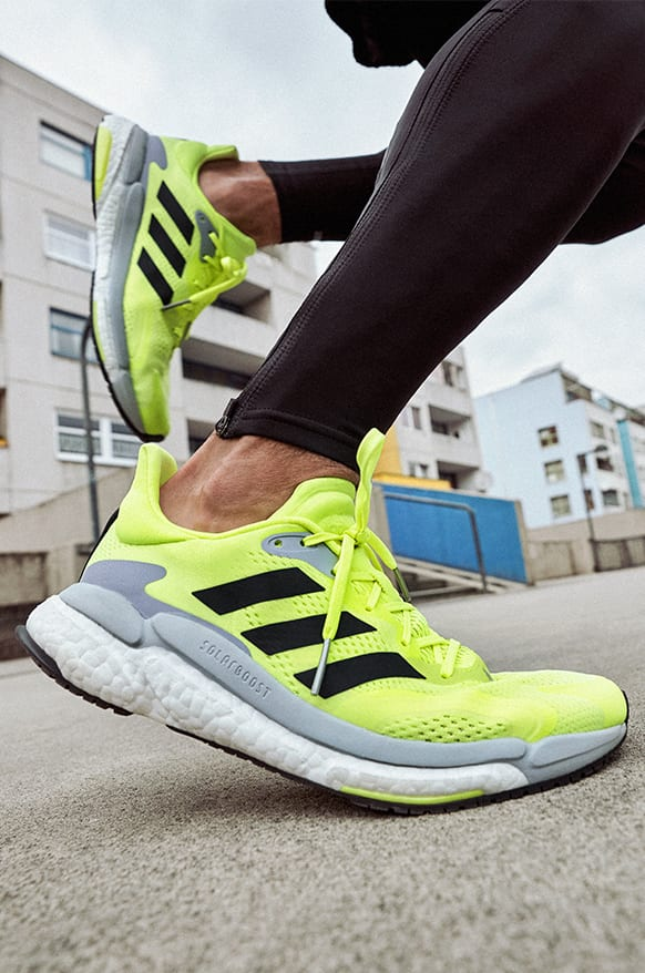 adidas Solarboost 3 shoe and a blowup of the parts of the shoe that deliver stability, energy push and comfort.