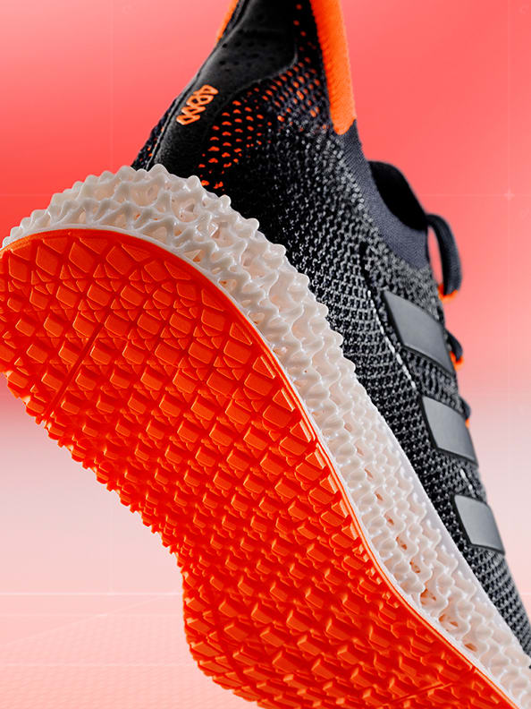 4DFWD running shoe stepping forward, showing underview of the shoe's outsole.
