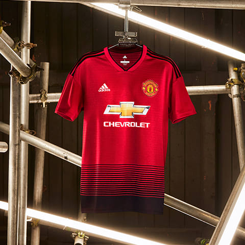 20d0ad46f Experience the Manchester United 2018 2019 Season Uniform