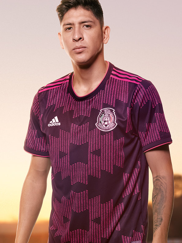 Edson Alvarez proudly wearing the new Mexico Home Authentic jersey