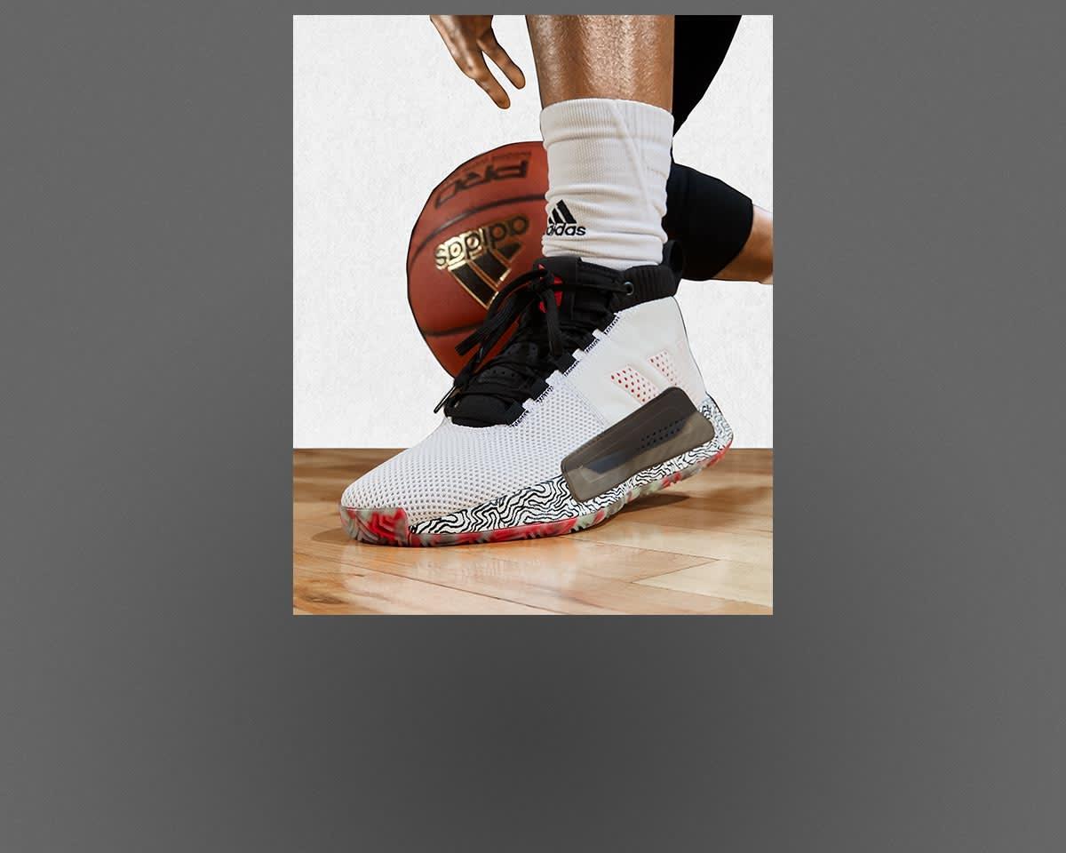 detailed look e60b3 1eb39 Chaussures, vêtements et accessoires basketball   adidas Basketball