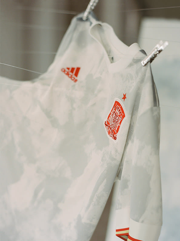 The new Spain Away jersey detail shot.