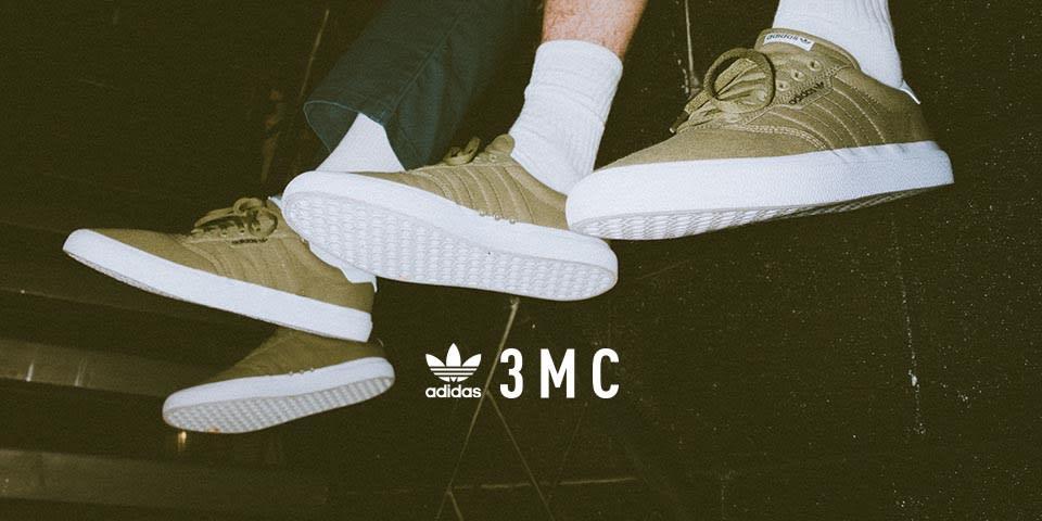 d9e0e6b9573 adidas Originals