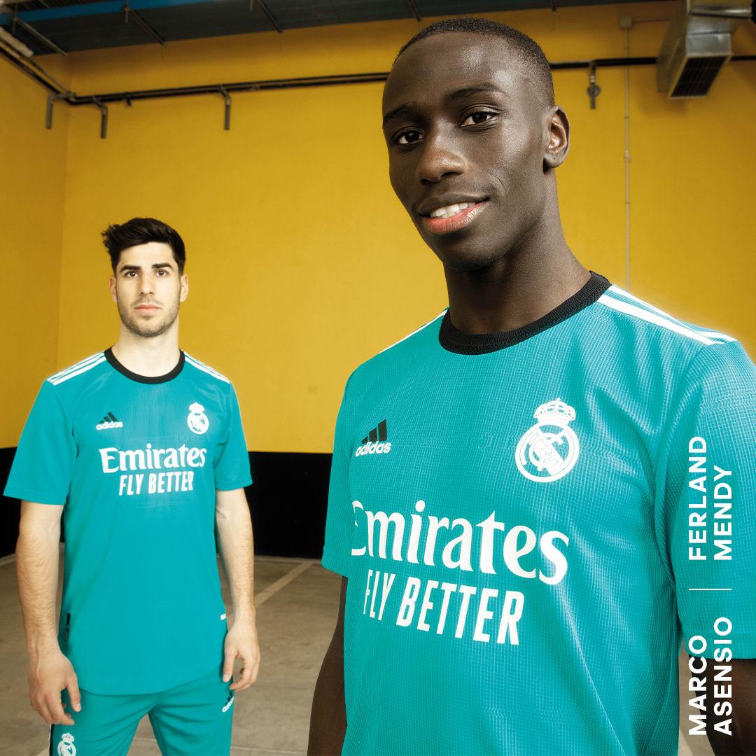 Camisola Oficial do Terceiro Equipamento 21/22 do Real Madrid Turquesa Futebol